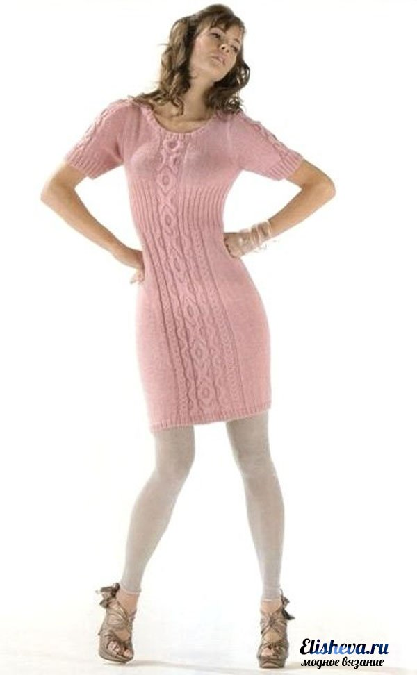 Гламурное платье розового цвета вязаное спицами