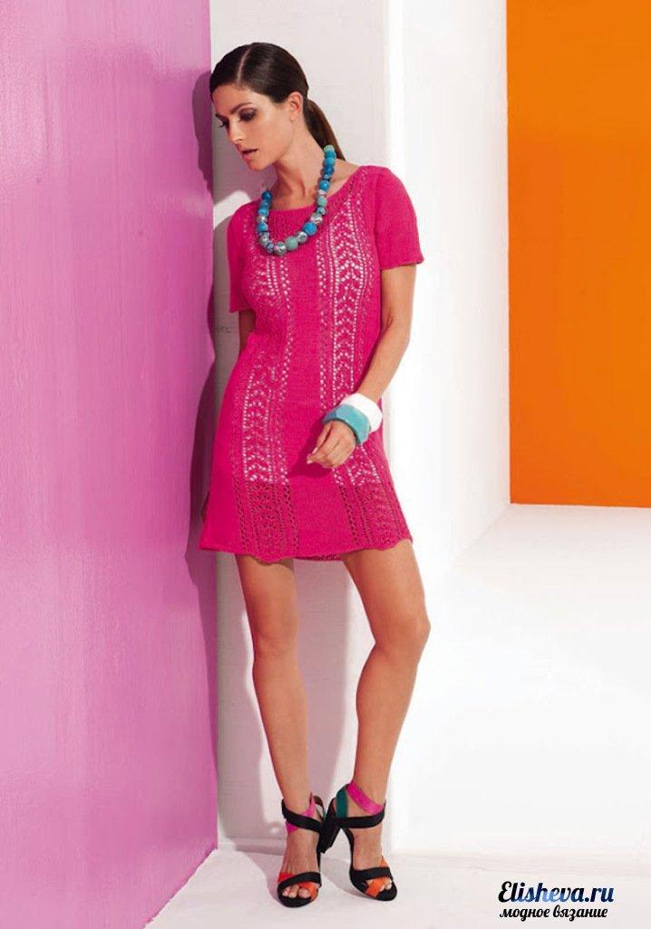 Ажурное мини-платье, вязаное спицами