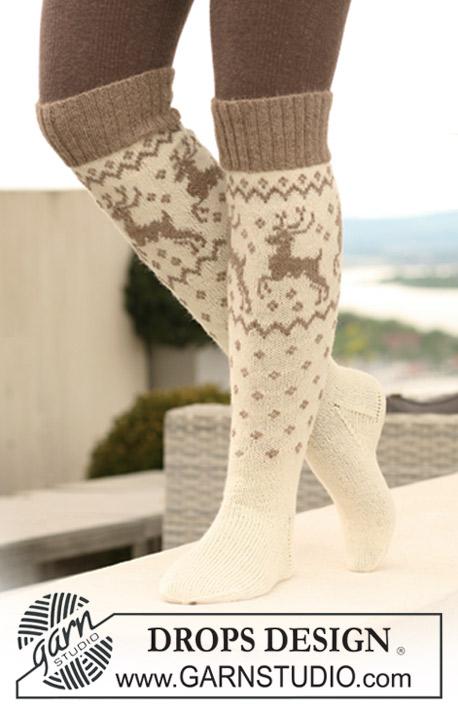 высокие носки гольфы с оленями вязанные спицами