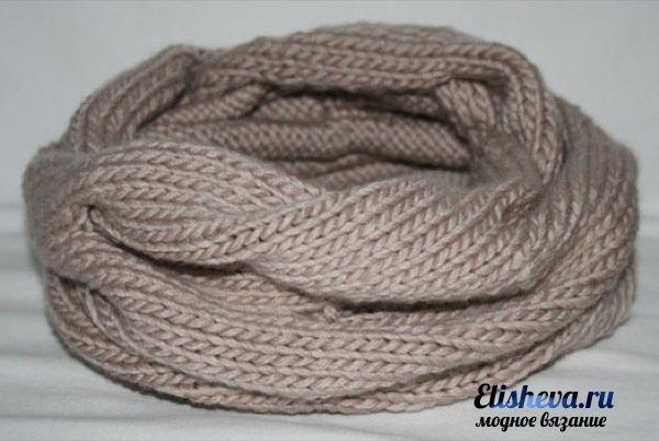 Ультрамодный шарф снуд вязаный