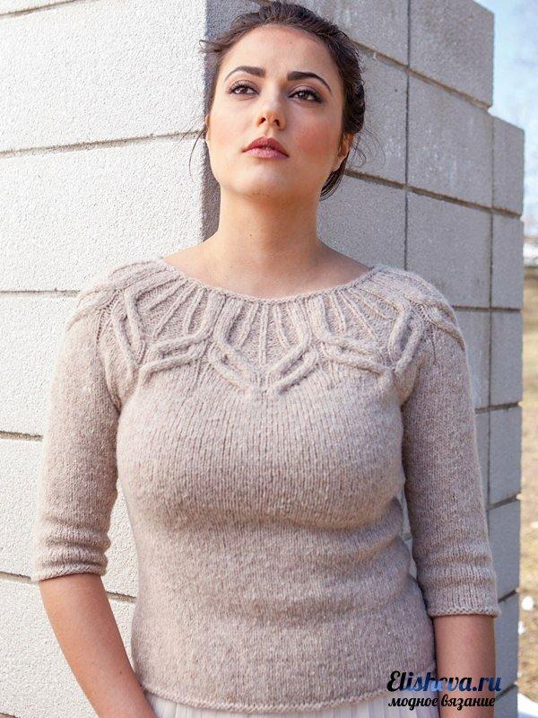 Женский пуловер без швов от