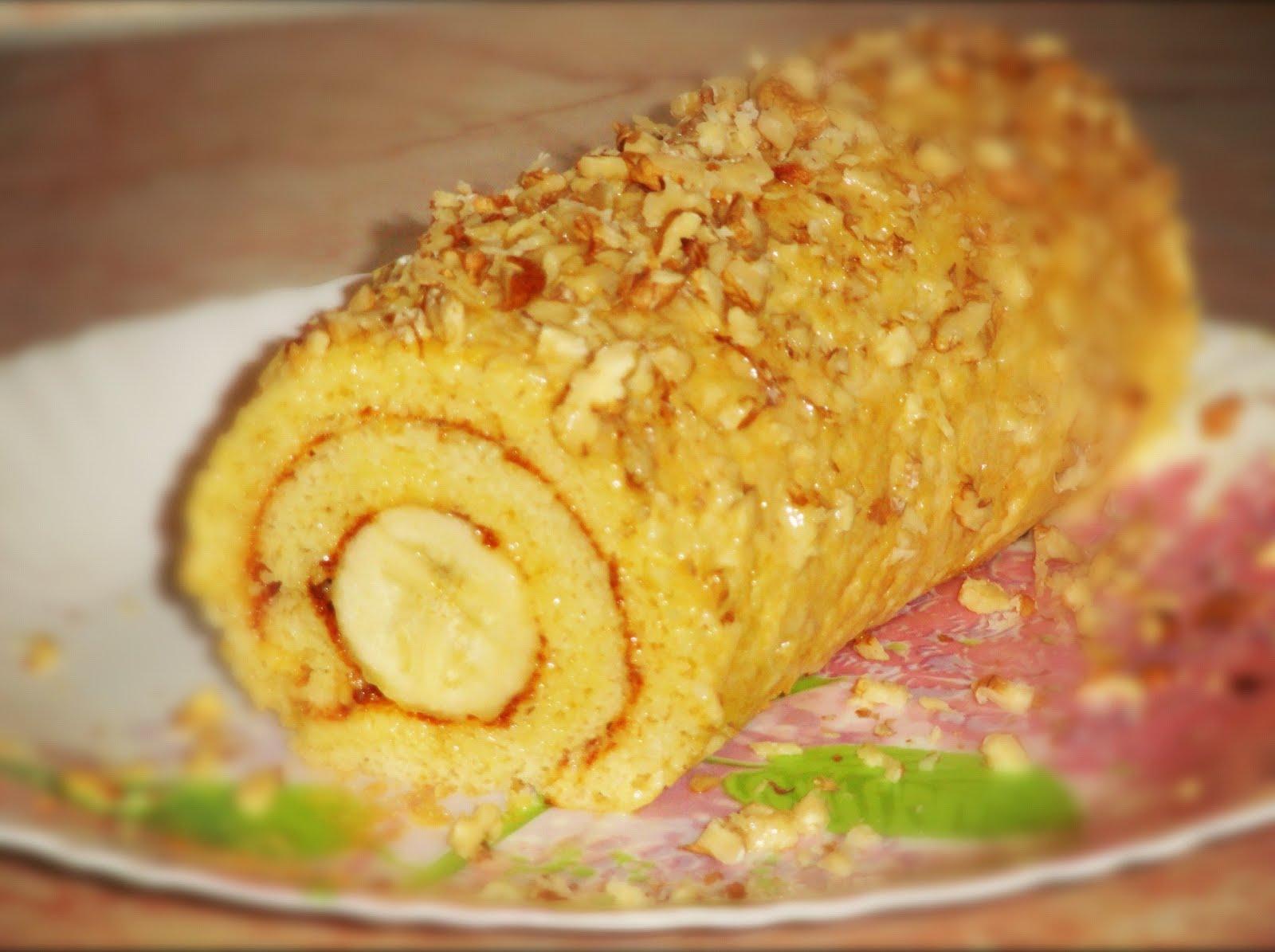 Рулет с сгущенкой и бананом пошаговый рецепт с фото