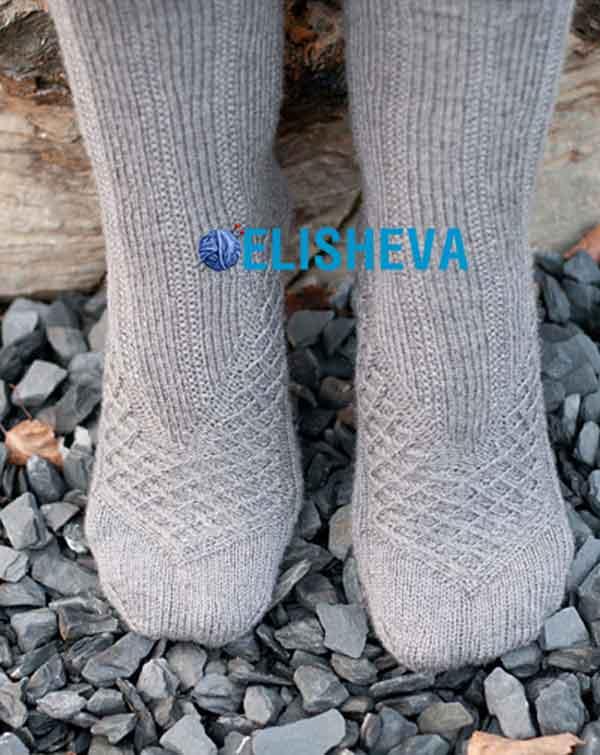 Вязаные носки Maeva by Stefanie Bold с шикарным узором спицами