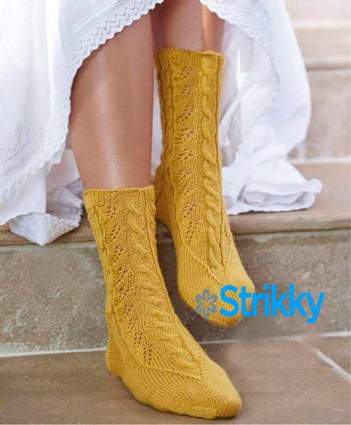 Красивые женские носки от June Burns «Благородство узоров» вязаные спицами