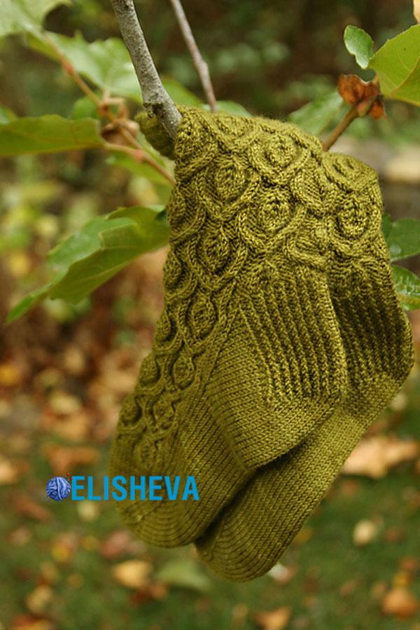 Красивые женские носки «Ivy <i>красиво связанные носки спицами</i> trellis» от Alana Dakos вязаные спицами